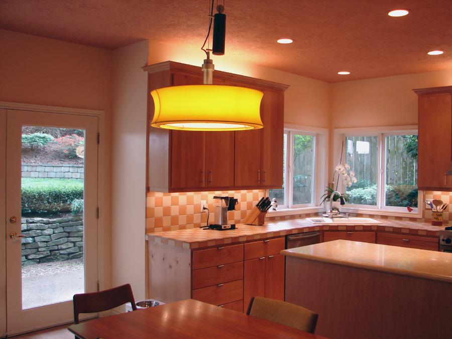 Kitchen Lighting: Illuminate Kitchen with Proper Lighting