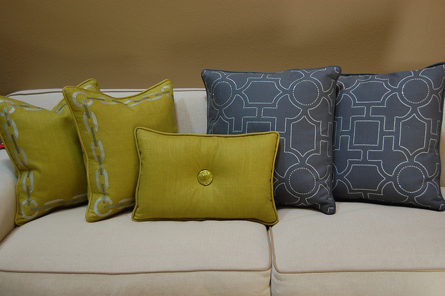Decorate your Home with Colorful Throw Pillows