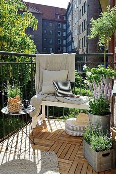 Different Types of Balcony Furniture Ideas