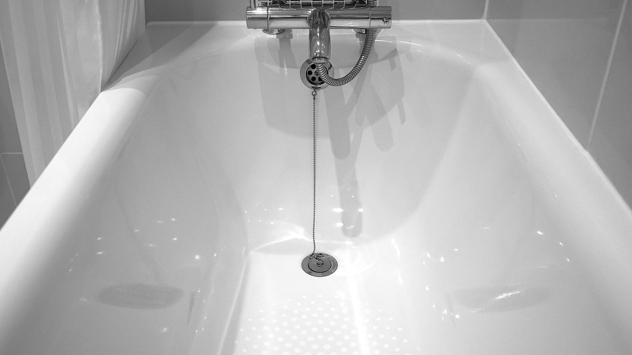 Ways To Clear Clogged Tub Drain Standing Water ...