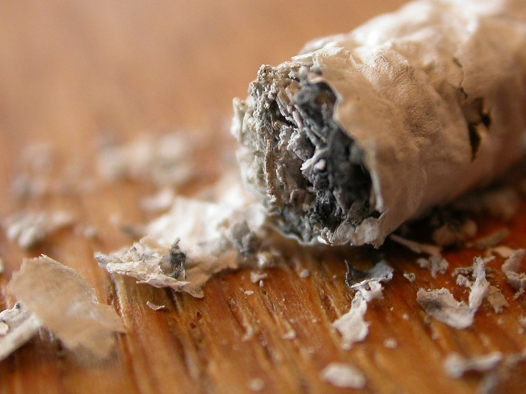 How to Remove Water Stains From Wood with Ashes