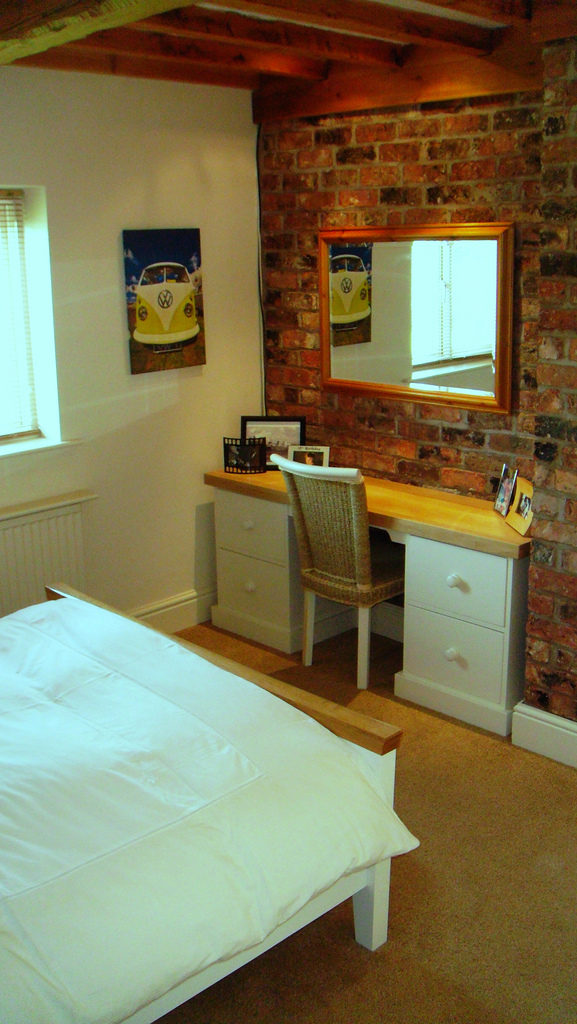 Mount Dressing Table on Wall