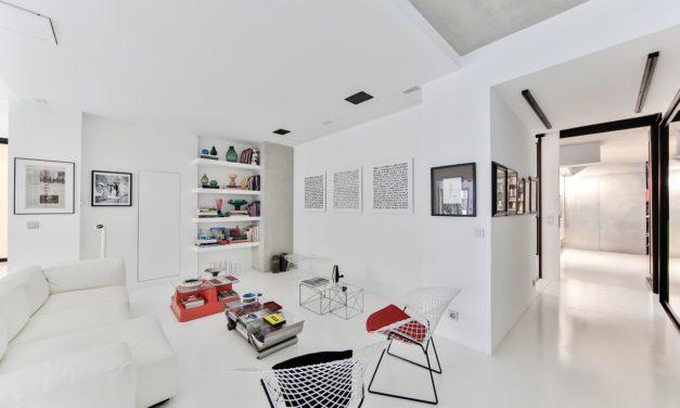 How to Distress White Furniture