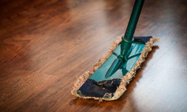 Wood Floor Cleaning- Cleaning wood floors with Vinegar