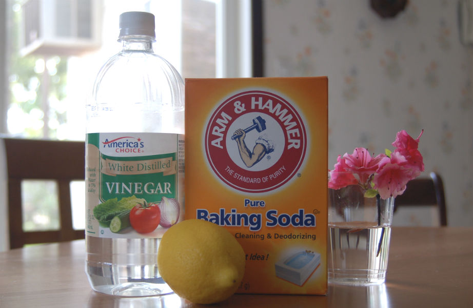 How To Clean Toilet With Vinegar And Baking Soda