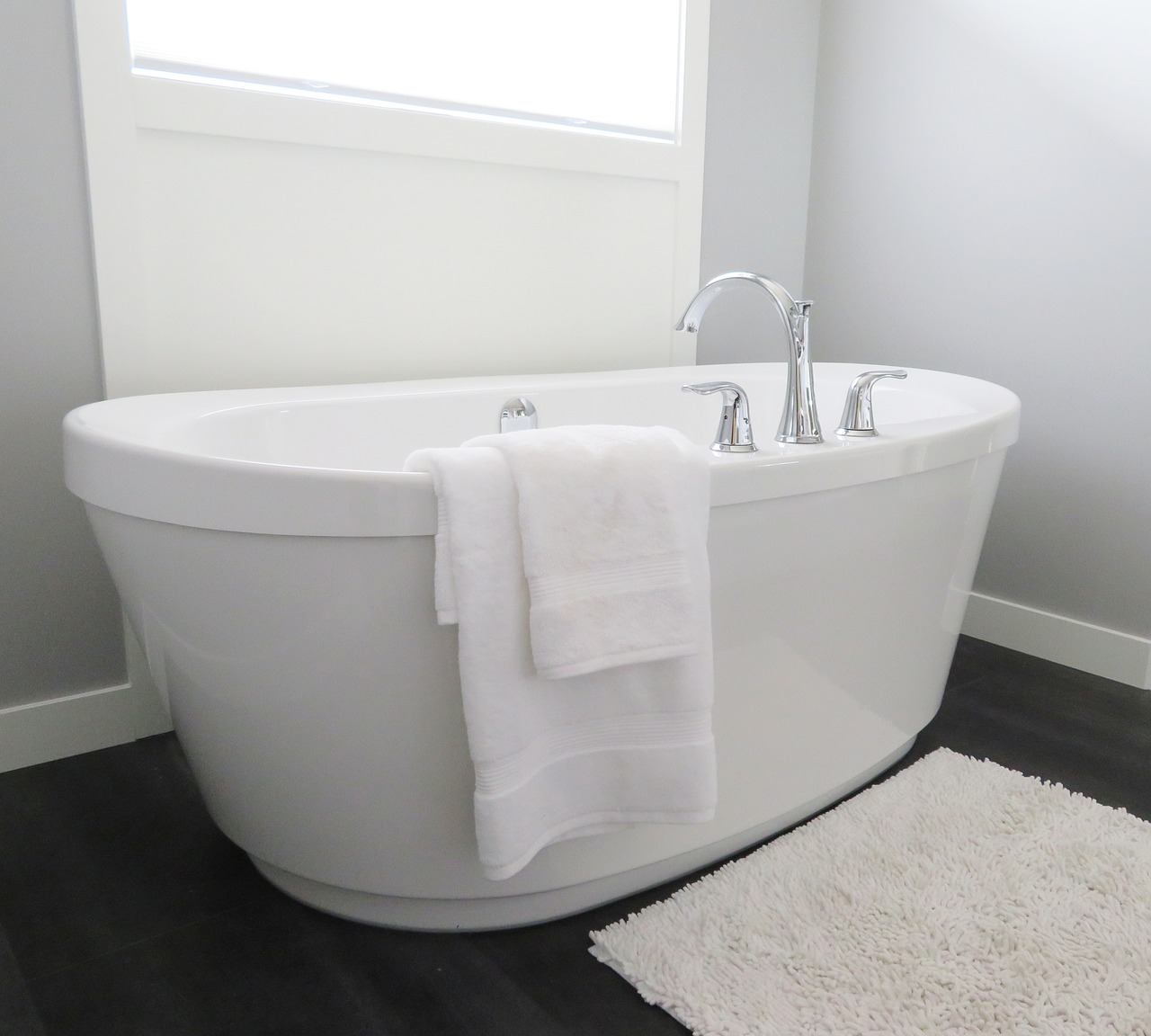 How to Remove Stains from Bathtub- Finish Bathtubs