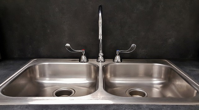 Baking Soda and Vinegar Cleaning Solutions for Cleaning Stainless Steel Kitchen Sink