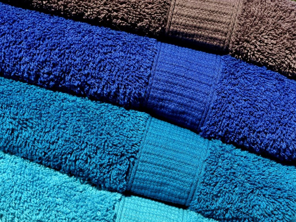 Baking Soda and Vinegar Cleaning Solution for Freshening up Towels