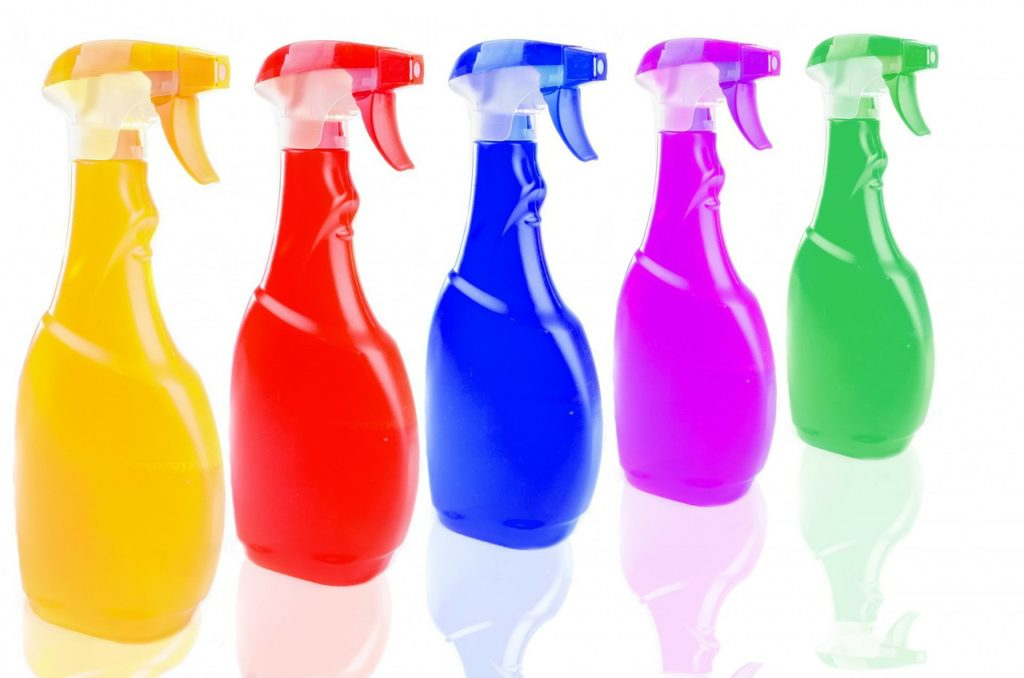 How to Clean a Jetted Tub with Household Supplies